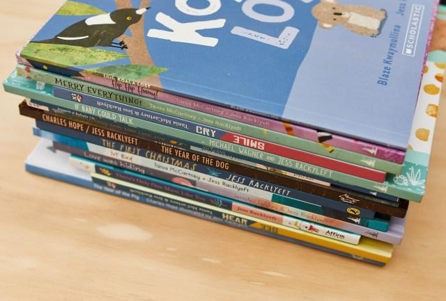 Jessie_books!_0N6A9749_